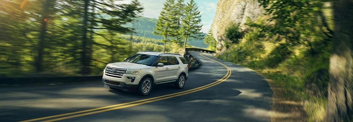 Chiếc xe Ford Explorer mới tạo ra một chuẩn mực mới về an toàn, cho bạn cảm giác yên tâm khi vận hành.
