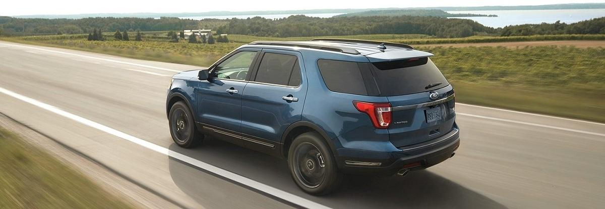 Hệ thống Cảnh báo lệch làn và Hỗ trợ duy trì làn đường Ford Explorer
