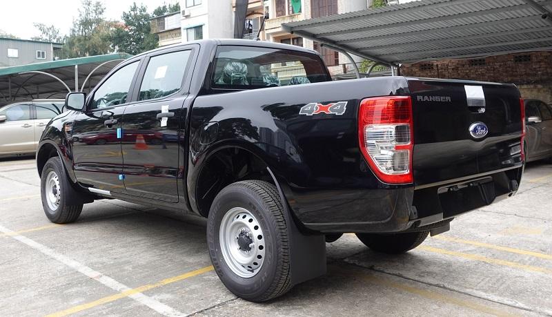Hình Ảnh Ford Ranger XL 4x4 MT 2021 2022 mới màu đen tại ford Bình Thuận láng hạ