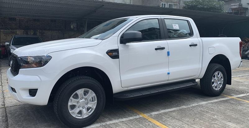 Hình ảnh ngoại thất ford ranger xls At 2021 2022 mới màu trắng tại ford thăng long